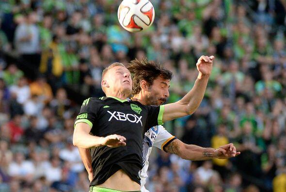 El héroe del partido fue el volante Marcelo Sarvas quien abrió el marcad...