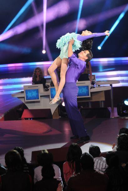 Julio Camejo demostró ser un gran bailarín y también les brindó muy buen...
