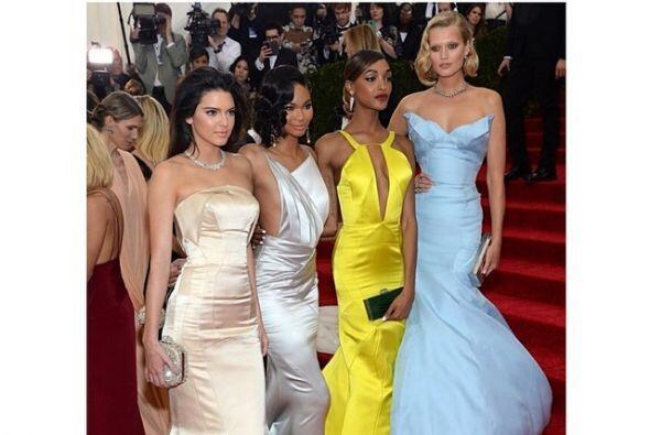 Martes La noche estuvo movida con el MET Gala, aquí vemos cómo Kim captó...