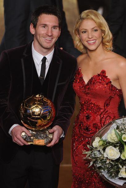 Aqui aparece Messi junto a Shakira, novia de Gerard Piqué, su com...