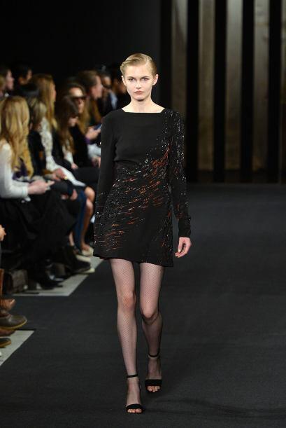 También la pedrería y lentejuelas es un buen acento en este 'mini dress'...