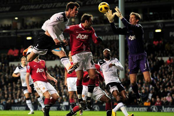 El marcador final fue un empate sin goles entre Tottenham y Manchester U...