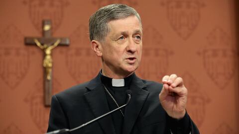 """Cupich sobre ICE en iglesias: """"Instruimos a sacerdotes para consultar co..."""