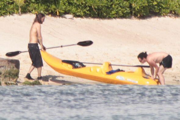 Jared se fue a practicar kayak. Mira aquí los videos más chismosos.