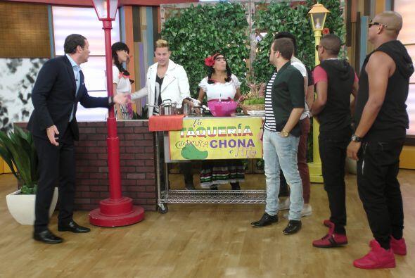 Como siempre, Doña Chona tenía preparados unos tacos muy e...