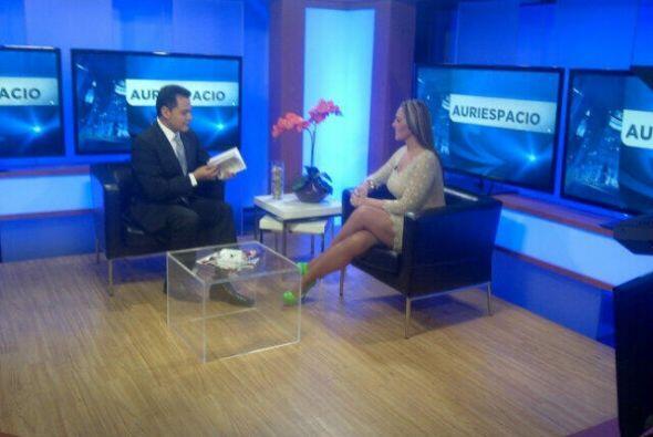 Verónica del Castillo en nuestra afiliada Noticias Univisi&oacute...