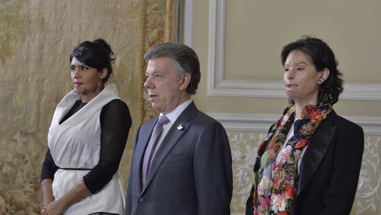 Juan Manuel Santos promulga ley contra agresores con ácido.