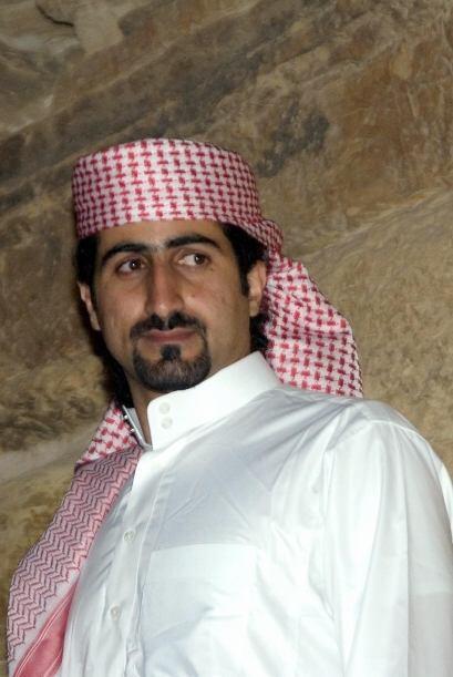 Pese a su oposición a las actividades de su padre, Omar Bin Laden fue un...