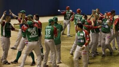 Puerto Rico derrotó a México 7-6 y evitó la coronación de los 'Yaquis' e...