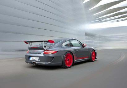 El nuevo 911 GT3 RS también demuestra una conexión cercana con el automo...