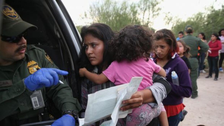 Abogados defensores de migrantes demandaron al país por detener a migran...