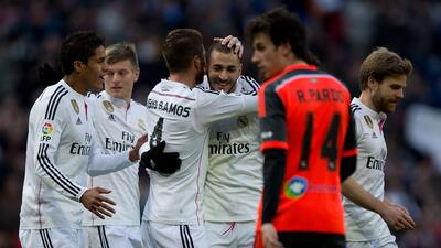 Raphael Varane sería quien ocupe el puesto de Ramos por su lesión.