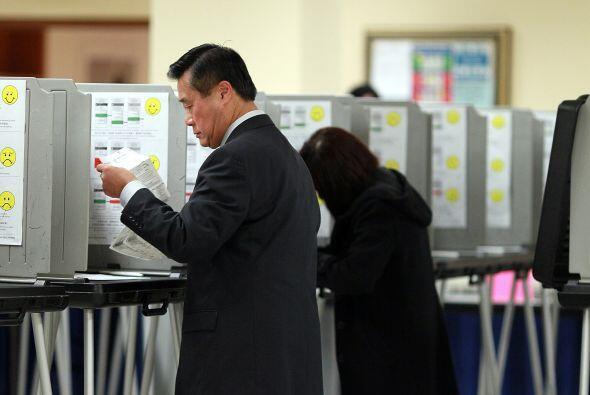 Varios candidatos a la alcaldía pasaron la víspera de las elecciones exh...