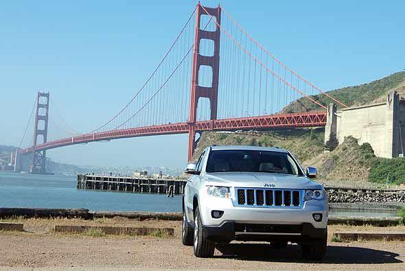 En seguridad el Jeep Grand Cherokee 2011 fue nombrado por el IIHS como T...