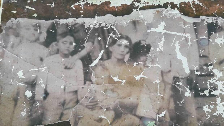 Cuentan que Antoñica Izquierdo logró curar con agua a uno de sus hijos,...