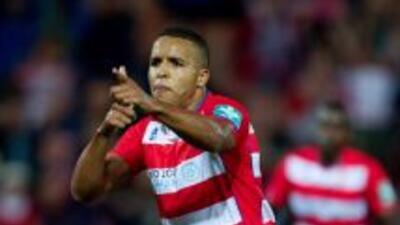 El Arabi hizo tres goles para liquidar al Málaga.