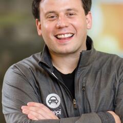 Resnik se fue estudiar al MIT luego de vender una compañía de internet e...