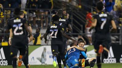Columbus dio la voltereta para vencer a Orlando en el tiempo adicional con un golazo de otro partido