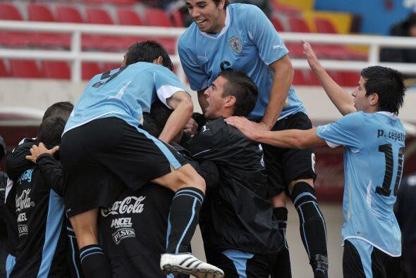 El festejo charrúa no se hizo esperar, Uruguay arrancó la segunda fase s...