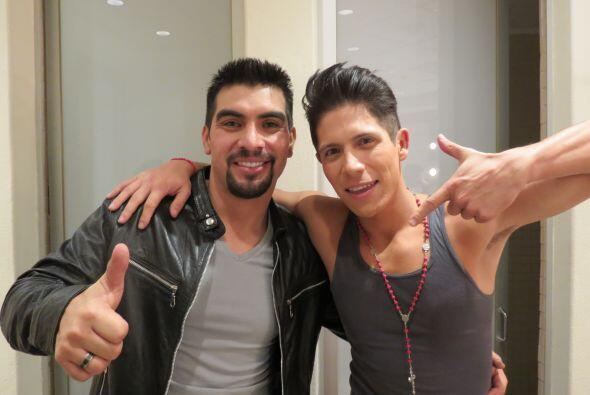 Enrique Tello en camerinos con Fernando Corona.