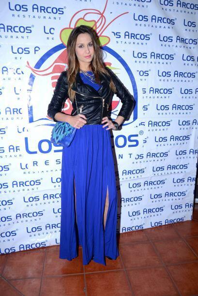 La modelo y actrizOdalis Ramírez estuvo presente con un atuendo muy mod...