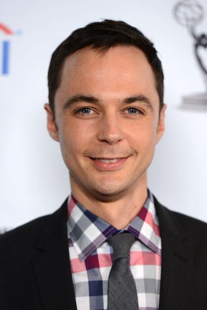 Tal parece que Jim Parsons lleva el personaje de Sheldon a la vida real,...