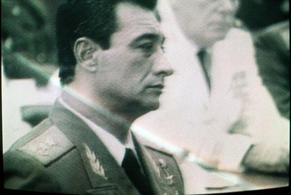 General Arnaldo Ochoa, ejecutado por traición en paredón de fusilamiento...
