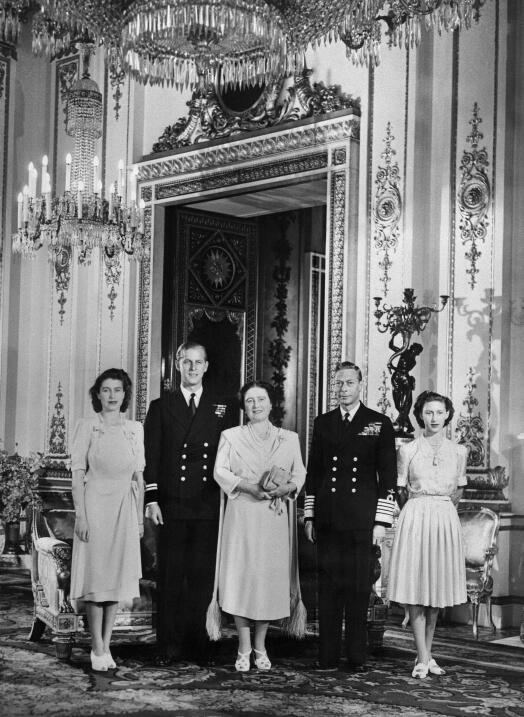 El día en que se anunció el compromiso entre la Princesa Isabel y Felipe...