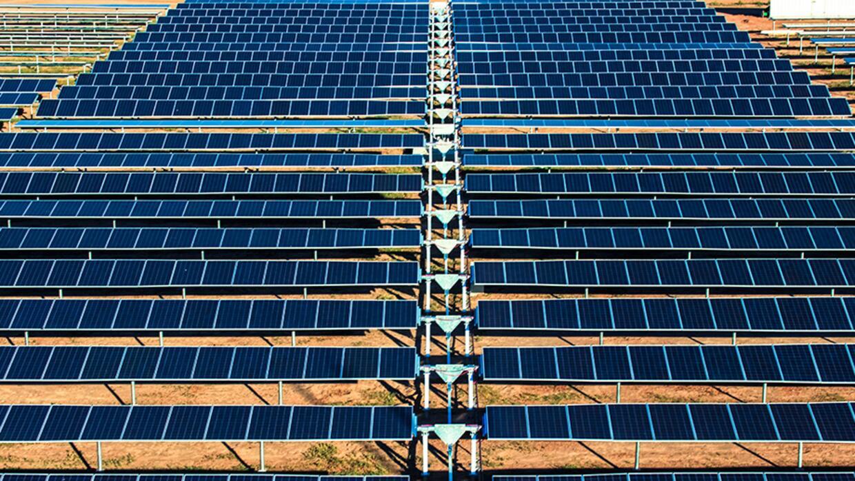 Aura Solar, en Baja California, es una de las plantas fotovoltaicas más...