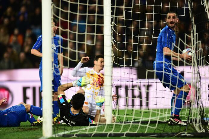 Lo mejor del empate entre la Squadra Azzurra y la Roja en duelo de gigantes