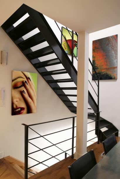 Escalera turística. Aprovecha este espacio de la casa para colgar tus re...
