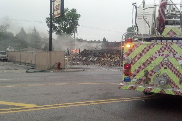 Incendio consume supermercado en Stone Park
