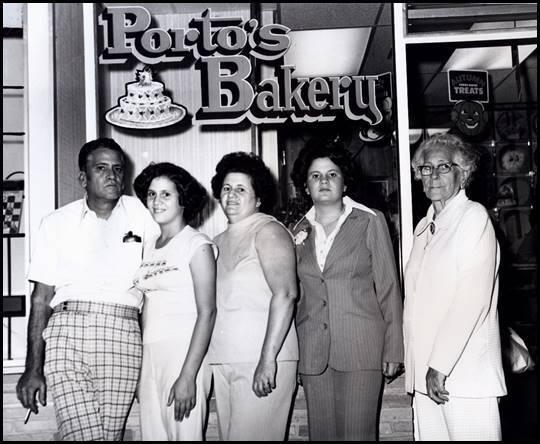 Raúl, Margarita, Rosa, Betty y Dolores Porto.