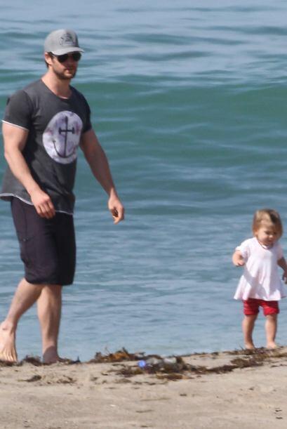 Chris después la llevó a la playa.