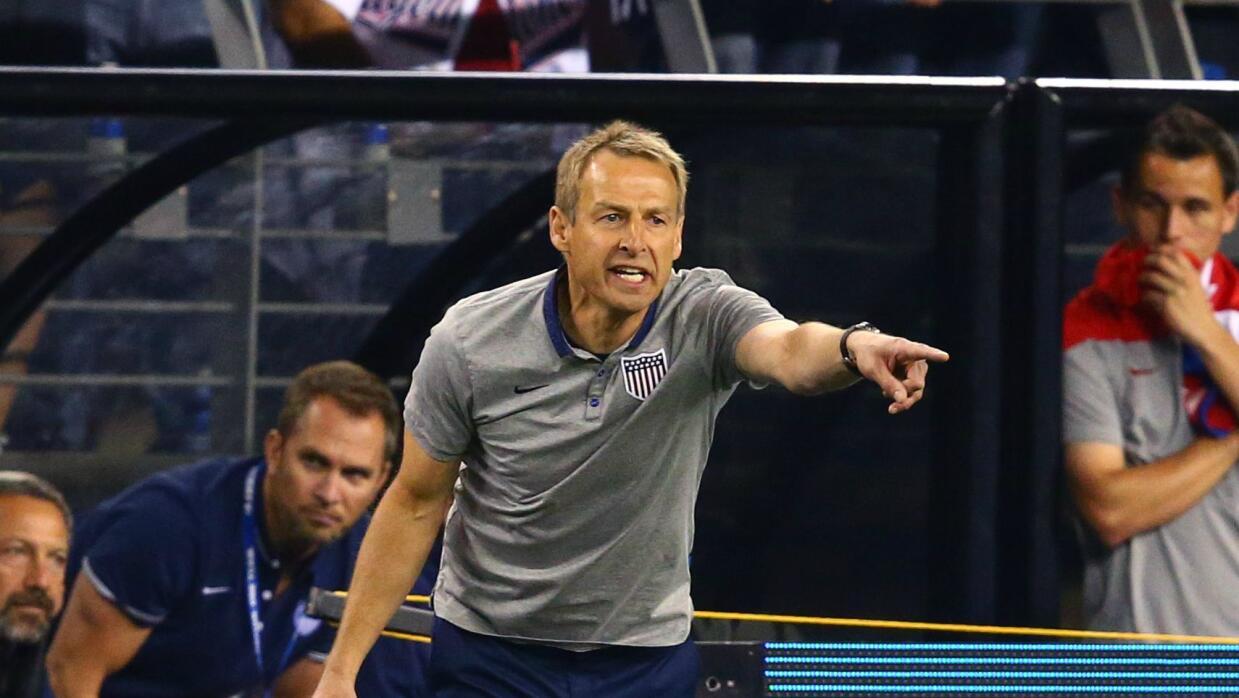 Jürgen Klinsmann dirigiendo a la selección de EE.UU.