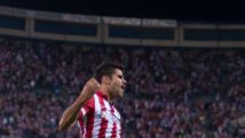 Diego Costa celebra uno de sus dos goles ante Osasuna.