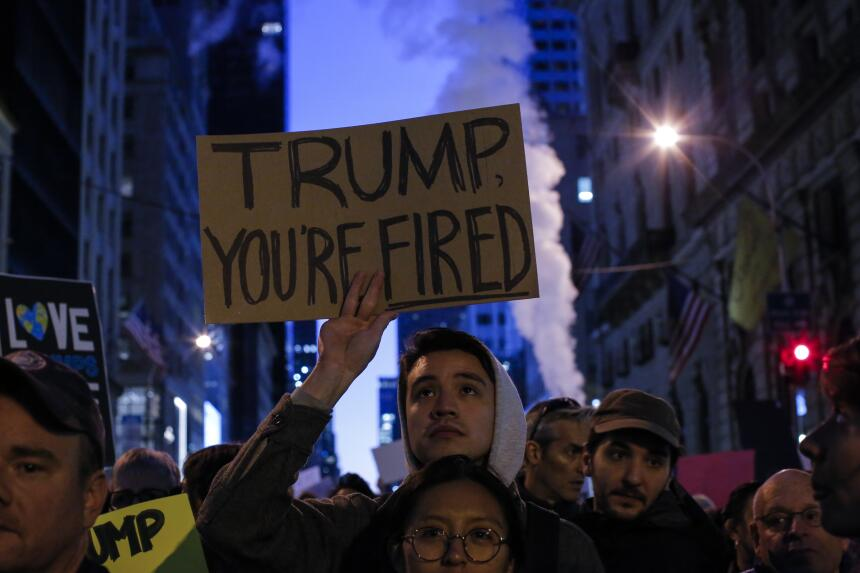 """""""Trump estás despedido""""."""