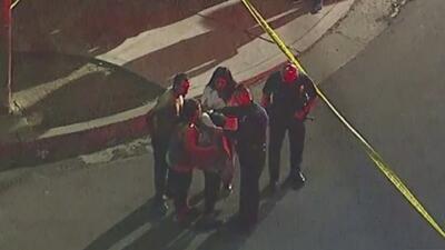 Cinco personas de una familia hispana resultaron heridas tras tiroteo en Pacoima, Los Ángeles