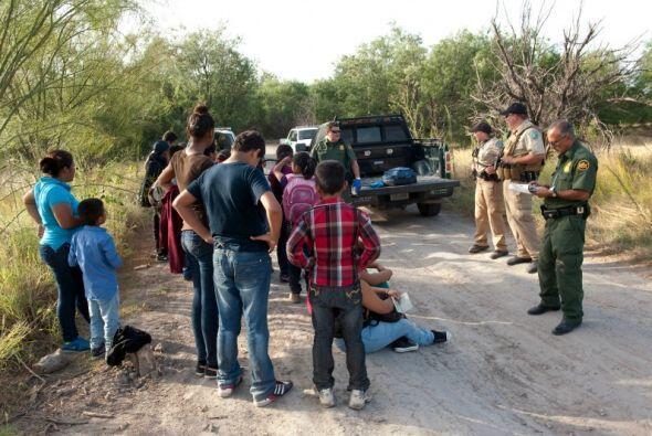 Para intentar frenar el éxodo, la CBP anunció una campaña en español. (C...