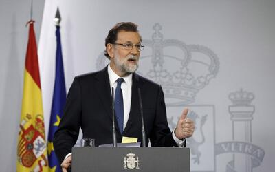 El presidente del Gobierno español, Mariano Rajoy, destituy&oacut...