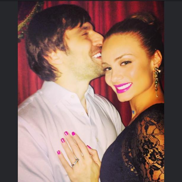¡Dos villanos muy enamorados! Victoria Camacho se casa con Osvaldo...