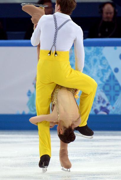Stefania Berton y Ondrej Hotarek de Italia compiten en pareja durante lo...