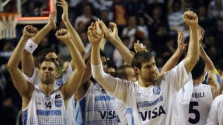 En la edición de Atenas 2004 se hizo con el oro y en la de Pekín 2008 de...