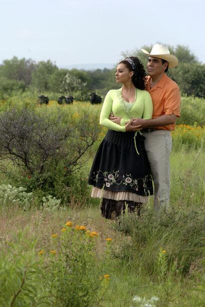 """Es pareja de """"Luis Antonio"""", un hombre viudo quien es veterinario y tien..."""