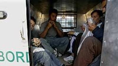 En los centros de detención de Arizona persisten las irregularidades, de...