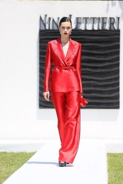 ¡El rojo es el color del poder! Si quieres lucir radiante y esplendorosa...
