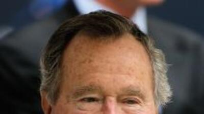 Expresidente de EEUU George H.W. Bush recibió Navidad hospitalizado.