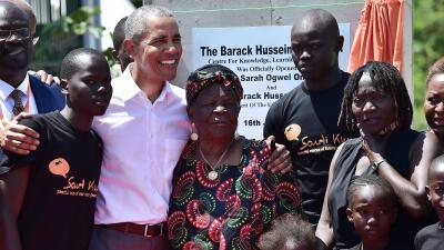 Obama visitó a su abuela paterna, jugó básquetbol y se reunió con el presidente de Kenia