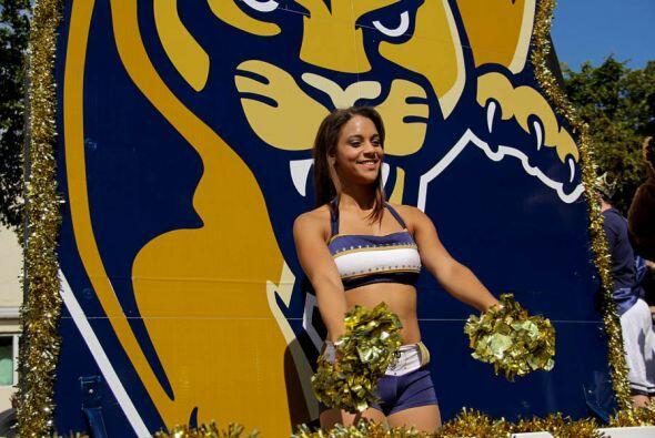 Las Cheerleaders de FIU!