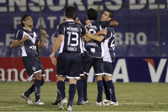 Vélez Sarsfield liquidó a Libertad con un categóric...